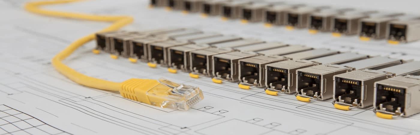 Internet, Réseaux de télécommunications et Communications électroniques