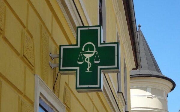 Pharmacie : cession de fonds de commerce